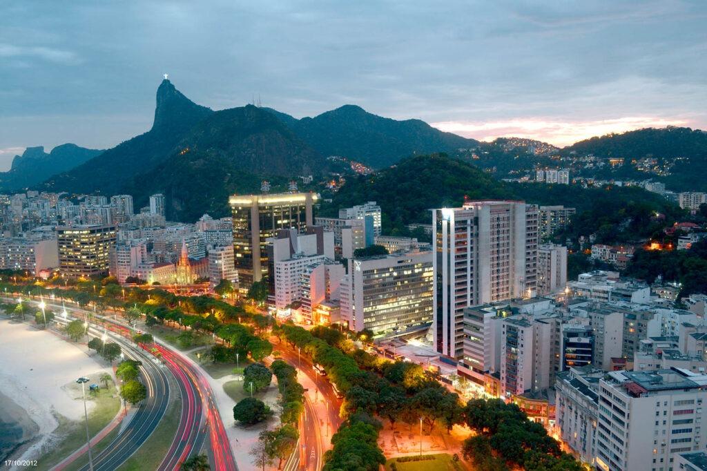 Foto timelapse enseada de Botafogo ao entardecer