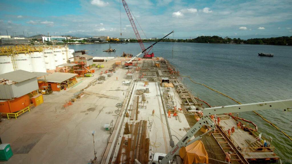 Foto time-lapse de obra portuária